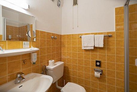 Standard-Einzelzimmer Bad1